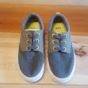Gap size 1 kids shoe
